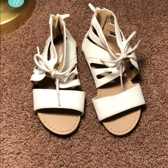 Old Navy Other - Old navy toddler us 9 sandals